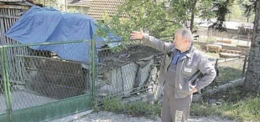 Sve uništeno u poplavi: Zoran Simićević zahvalio komšijama na pomoći