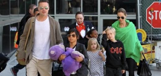 Anđelina Džoli i Bred Pit sa decom