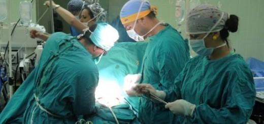 Prve operacije izveo tim iz Beograda na čelu sa dr Miljkom Ristićem