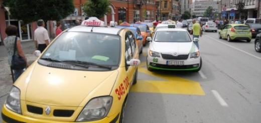 "Protestovali taksisti, radnici ""Papirpaka"", nezadovoljni građani..."
