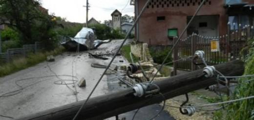 Orkan opustošio selo kod Svilajnca (FOTO) Foto