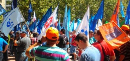 Sindikati predali zahteve Nikoliću: Život prođe, penzija ne dođe Video