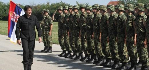 Ministar Gašić i vojnici (Foto: Beta, arhiva)
