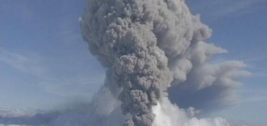 Erupcija 8. maja 2010. (Foto: Beta/AP, arhiva)